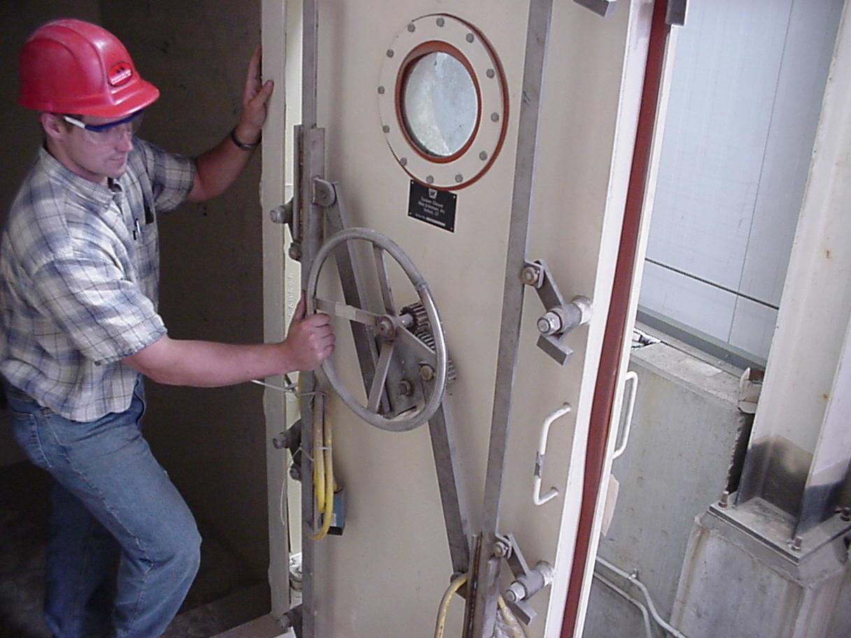 Mvc-015s ... & Airlocks u0026 Special Doors | Walz u0026 Krenzer Inc