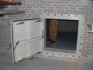 Dogged Door : airtight door - pezcame.com