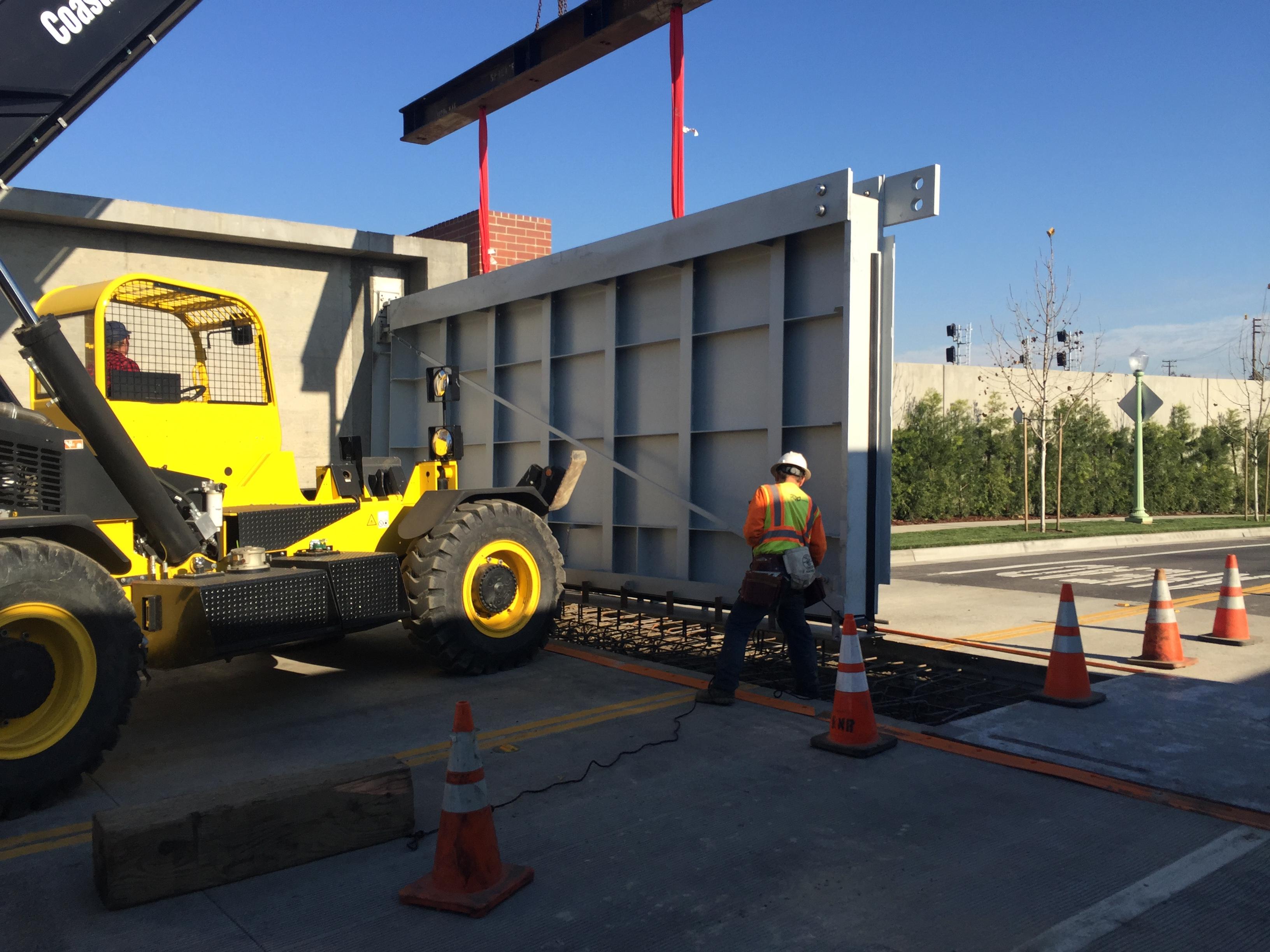 Walz & Krenzer Flood Barrier installed in McKinley Village, Sacramento CA